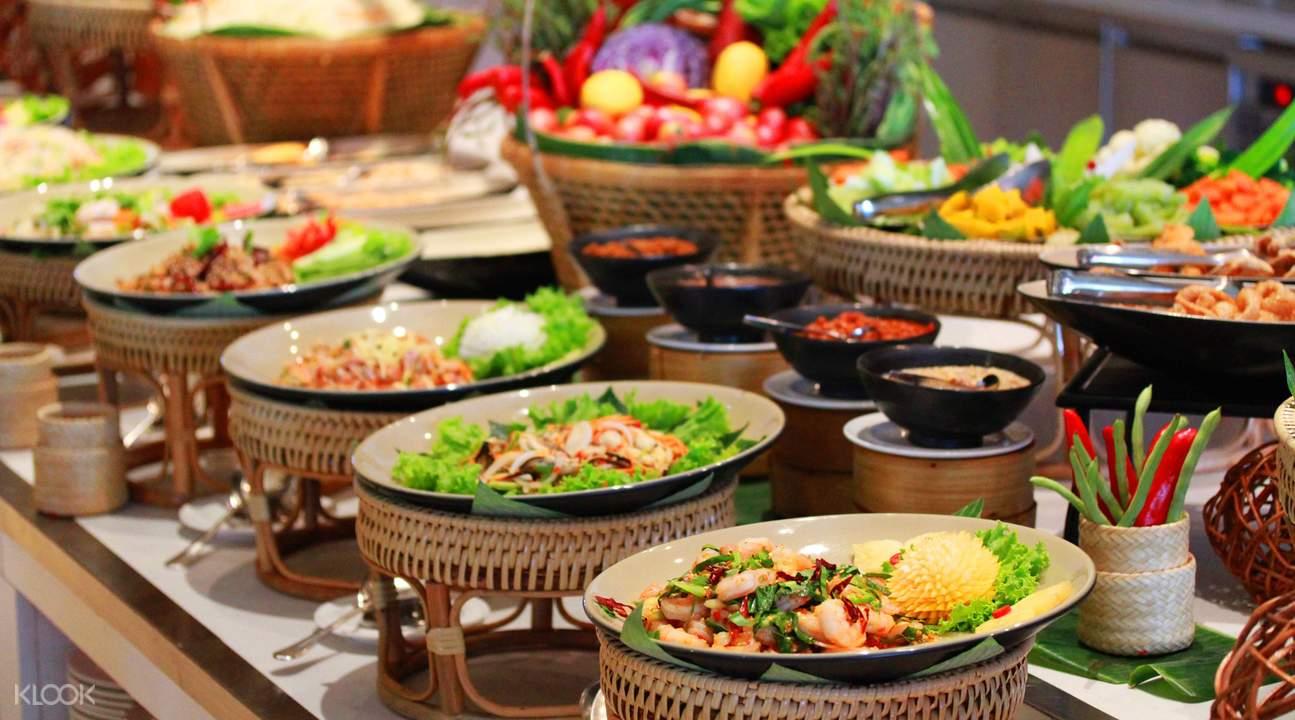 荔枝山餐厅是暹粒最大的自助餐厅之一,品种涵盖了传统高棉菜,中餐和